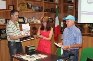 Da sinistra Joao Benvegnù della Famiglia Bellunese di Porto Alegre con i due vice ABM Patrizia Burigo e Rino Budel