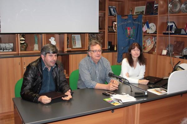 Da sinistra Alvirio Tonet, Oscar De Bona e Patrizia Burigo.