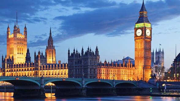 incontri nel Regno Unito poliamorosa incontri Canada