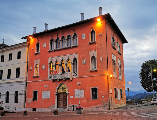 Palazzo Rosso, Belluno