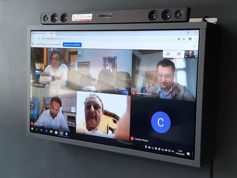 Uno degli incontri in videoconferenza con i Sindaci dei Comuni capoluogo del Veneto