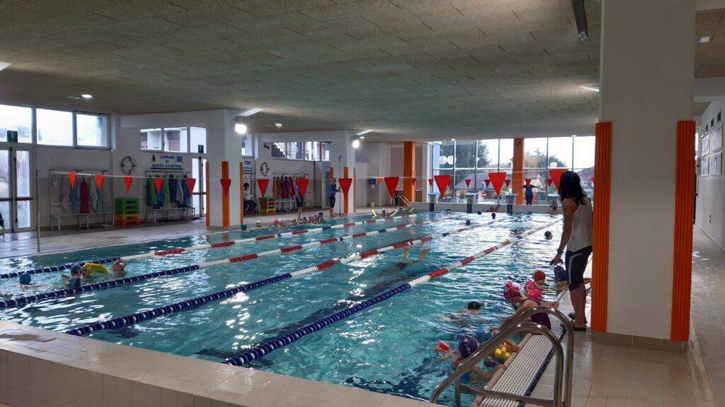 Una panoramica della piscina comunale di Santa Giustina