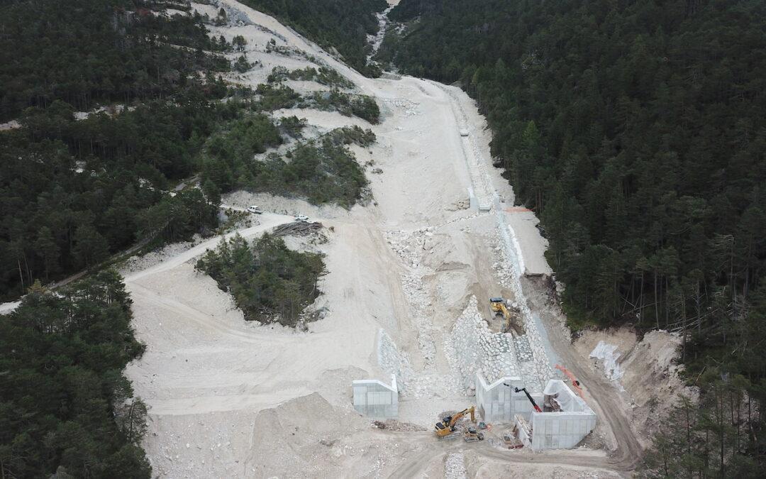 """A Cancia è arrivata la briglia """"Sabo dam"""": entro fine anno l'installazione"""