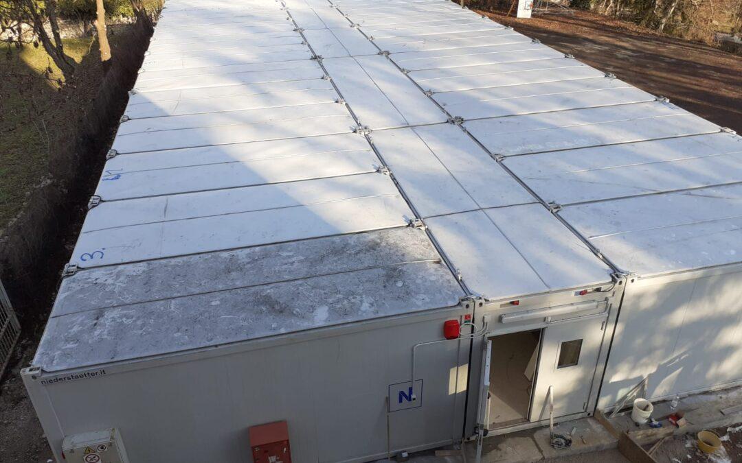 Completata l'installazione dei moduli prefabbricati al liceo Galilei. Lunedì la consegna, con sei aule nuove